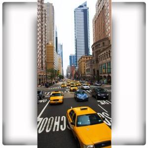 Fototapeta z ulicą Nowego Jorku i żółtymi taksówkami