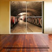 Winnica - dekoracja na szafę