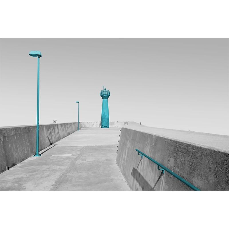 Fototapeta betonowe molo - szara z akcentem turkusowym
