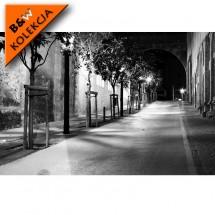 Fototapeta uliczka nocą - aranżacja w nowoczesnej sypialni