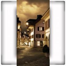 Fototapeta uliczka nocą
