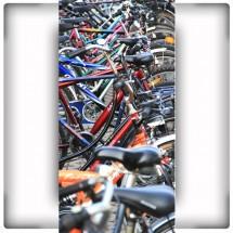 Fototapeta na wąską ścianę - rowerowy parking