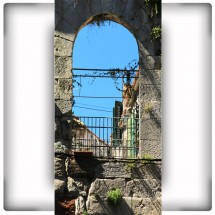 Fototapeta balkon w starej kamienicy