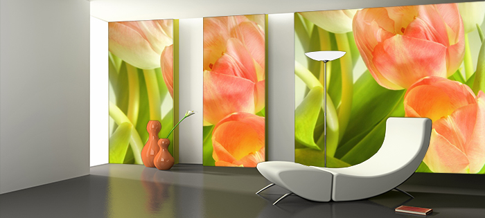 Aranżacja fototapety z pomarańczowymi tulipanami w nowoczesnym salonie