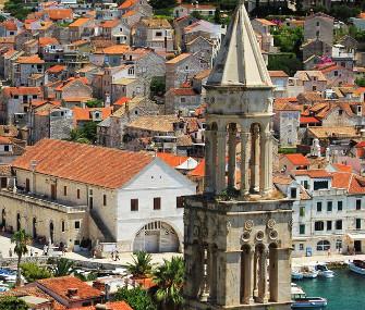 Kościół i miasteczko