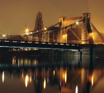 Fototapeta z wieczornym widokiem na most