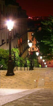 Nocna uliczka w Paryżu