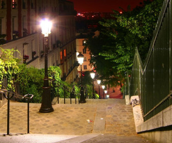 Francja nocą